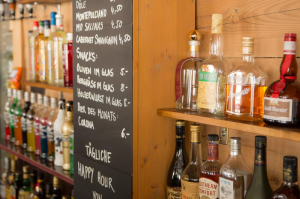 Our bar in the Hotel Alpenblick in Grindelwald offers a large selection - Try our Pistenbully according to a secret recipe.